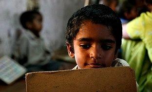 Mejora las condiciones de vida de niños pobre de Benarés